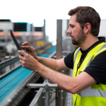 Worker in smart factory driven by 5G